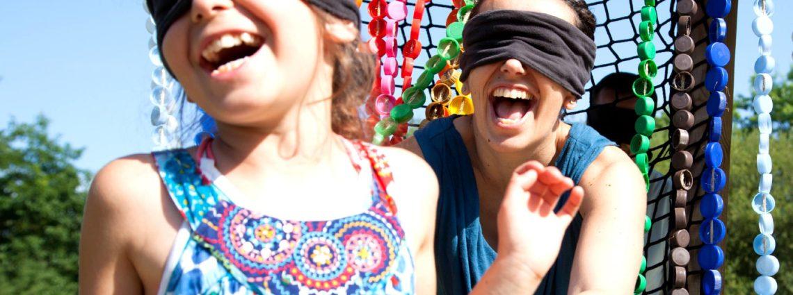 Rideau de bouchons les yeux masqués Jardins de Brocéliande