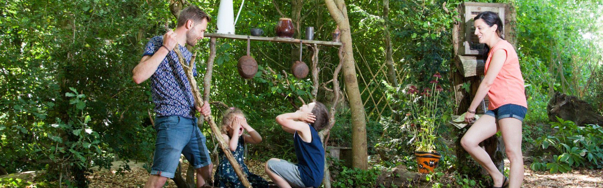 Jardin de la sorcière en famille aux Jardins de Brocéliande
