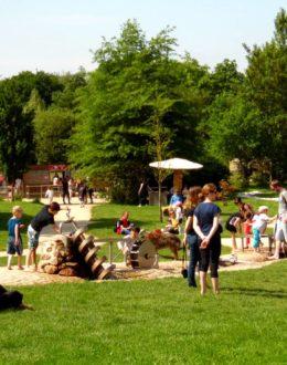Aire de jeux pour enfants, jardins de brocéliande