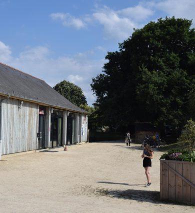 Salle Loge aux Fées, jardins de brocéliande